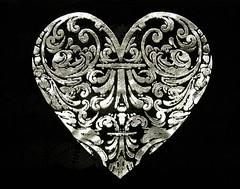H is for silver heart (muffett68 ☺ heidi ☺) Tags: silver heart fafm hisfor tshirt