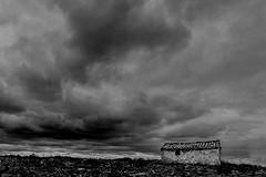 Cielo iracundo/Roaring sky (bekumarnié) Tags: blackandwhite blac darkmood bnw sky storm drama