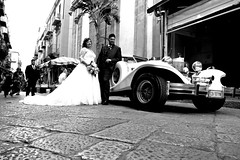 002139 (la_imagen) Tags: palermo sicily sizilien sicilya sicilia italy italia italien italya centrostorico sw bw blackandwhite siyahbeyaz monochrome street streetandsituation sokak streetlife streetphotography ‎strasenfotografieistkeinverbrechen menschen people insan wedding palermods2019