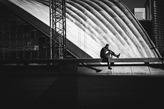 La Défense (tomabenz) Tags: noiretblanc sony a7riv people streetshot streetphotography streetphoto la défense urban human geometry paris street photography noir blanc monochrome urbanexplorer zeiss streetview black white europe bnw bw ladéfense blackandwhite humaningeometry sonya7riv