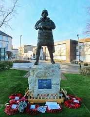 New Paratrooper Statue - Aldershot * (John(cardwellpix)) Tags: recognition special relationship between the parachute regiment air forces aldershot home british army 1946 2000 sculptor goodman ~2019 in ~ new statue
