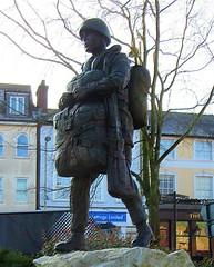 New Paratrooper Statue - Aldershot * (John(cardwellpix)) Tags: new paratrooper statue aldershot 7138 recognition special relationship between the parachute regiment air forces home british army 1946 2000 sculptor goodman 2019