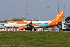 G-EZOA - 2014 build Airbus A320-214, easyJet holidays logojet departing from Manchester (egcc) Tags: 6412 a320 a320214 airbus egcc ezy gezoa lightroom man manchester ringway sharklets u2 easyjet easyjetholidays logojet
