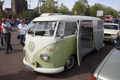 VW T1 Bus (elbaracuda2002) Tags: youngtimer oldtimer classiccar vintage vintagecar motor gear auto automotive vw volkswagen bully fensterbus t1