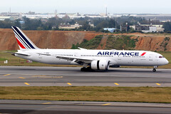 Air France | Boeing 787-9 | F-HRBC | Taipei Taoyuan (Dennis HKG) Tags: airfrance afr af france aircraft airplane airport plane planespotting skyteam canon 7d 100400 taipei taiwan taoyuan rctp tpe fhrbc boeing 787 7879 boeing787 boeing7879 dreamliner