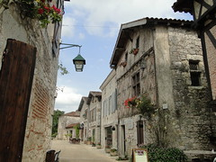 Lot-et-Garonne. Pujols. Ruelle (fvib'r) Tags: pujols ruelle lotetgaronne