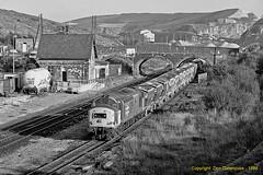 Peak Forest Shunt (Don Gatehouse) Tags: britishrail br class375 37677 peakforest peakstone pga limestone 37121 d6821 railfreight aggregates freight güterzug fret