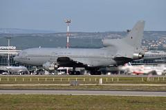 ZE704 (mduthet) Tags: ze704 lockheed l1011tristar royalairforce aéroportmarseilleprovence militaires