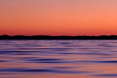 落日湖景 1734 (atacamaki) Tags: xt2 50140 xf f28 rlmoiswr fujifilm jpeg撮って出し atacamaki japan ibaraki kasumigaura tsuchiura 霞ヶ浦 かすみがうら 湖畔 lake 撮って出し nature sunset water reflection color 本当にこんな色だったんだ abendröte coucherdusoleil tramonto puestadelsol закат wave day life 落日湖景 夕陽 夕方 evening 湖面
