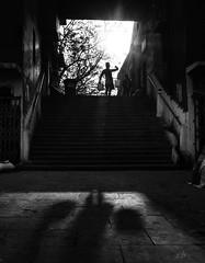 (sharmi_diya06) Tags: street streetphotography streetphot light shadows morning blackandwhite sky outside letsexplore natgeoyourshot natgeophotographers natgeophotographer yourshotnatgeo man action