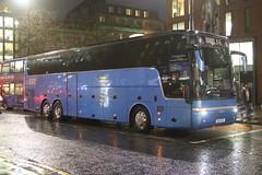 Beeline Minibuzz, Moston BU51 MCR ex YJ61 EXE (SelmerOrSelnec) Tags: beelineminibuzz moston vanhool t916 astron bu51mcr yj61exe manchester piccadilly coachoptionscastleton bus coach night