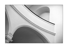 lines & curves 8 (Armin Fuchs) Tags: arminfuchs lavillelaplusdangereuse würzburg augustinerkirche empore lines curves diagonal church architecture niftyfifty