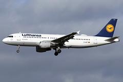 D-AIPT Lufthansa Airbus A320-211 at Edinburgh Turnhouse Airport on 8 February 2020 (Zone 49 Photography) Tags: scotland edinburgh aircraft aeroplane february airliner 2020 airport 200 airbus lh lufthansa edi dlh a320 320 211 airbusa320 turnhouse egph daipt