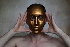 (Un)hide # 3 (just.Luc) Tags: man male homme hombre uomo mann hands hände handen mains mask masker masque maske