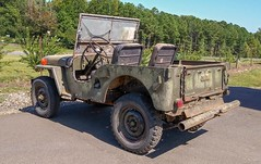 Willys Jeep (Dave* Seven One) Tags: willysjeep jeep willys willysoverland classic vintage 4x4 rusty rust broken used junk rotted rot decay forsale green