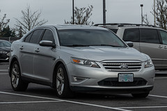 2010 Ford Taurus (mlokren) Tags: 2020 car spotting photo photography photos pic picture pics pictures pacific northwest pnw pacnw oregon usa vehicle vehicles vehicular automobile automobiles automotive transportation outdoor outdoors fomoco motorcraft 2010 ford taurus sedan silver