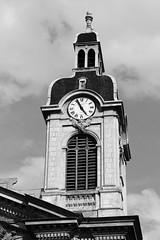 Chapelle de l'Hôtel-Dieu (just.Luc) Tags: clock klok horloge uhr bn nb zw monochroom monotone monochrome bw france frankrijk frankreich francia frança building gebouw gebäude bâtiment architectuur architecture architektur arquitectura auvergnerhônealpes tour toren tower lyon lione