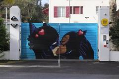 Artiste non identifié - BatMan & BatGirl (Thethe35400) Tags: batman batgirl artderue arteurbano arturbain arturbà arteurbana calle fresque grafit grafite grafiti graffiti graffitis graff mural murales muralisme plantilla pochoir stencil streetart schablone stampino tag urbanart wall portal portail baiser kiss musu bacio kuss petó basgiatu beso beijo