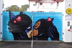 Artiste non identifié - BatMan & BatGirl (Thethe35400) Tags: batman batgirl artderue arteurbano arturbain arturbà arteurbana calle fresque grafit grafite grafiti graffiti graffitis graff mural murales muralisme plantilla pochoir stencil streetart schablone stampino tag urbanart wall baiser kiss musu bacio kuss petó basgiatu beso beijo