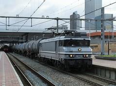 RFO 1829 te Rotterdam CS (erwin66101) Tags: ns rfo rail foce one railforceone locomotief rotterdam cs centraal goederentrein goederen trein keteltrein wascosa vtg vtgketels ketels cargo gouda station rotterdamcentraal rotterdamcs