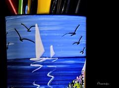 10_Painted_MM (Anavicor) Tags: hmm mm macromondays painted greece souvenir macro portalápices nikon tamron90mm anavicor villarcorreroana anavillar blue sea azul mar stilllife bodegón