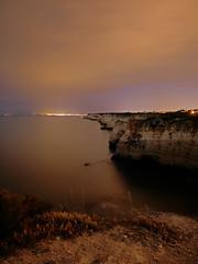 Desde los acantilados (jantoniojess) Tags: nocturna noche night landscape paisajenocturno paisaje acantilado carvoeiro algarve portugal panasoniclumixlx100m2 longexposure largaexposiciónnocturna largaexposición cliff