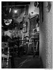 Une touche de modernité... (francis_bellin) Tags: olympus blackandwhite streetphoto street homme netb 2020 photographierlarue bw télévision photographie andalousie streetphotographie ville blackandwhitephoto noiretblanc photographederue noiretblancphoto photographe pampaneira village espagne bar