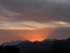 Bon Dimarts de núvols a Les Llosses, Ripollès, Girona. (heraldeixample) Tags: heraldeixample bcn spain espanya españa spanien catalunya catalonia cataluña catalogne catalogna ripollès lesllosses girona gerona núvols clouds nubes skyer nuages cymylau nuvole 雲 nuvens nori 云 облака wolken martesdenubes ngc nwn albertdelahoz