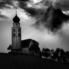 Holy Mountain (One_Penny) Tags: dolomiten italien italy alps dolomites landscape mountains mountainscape nature southtyrol seis schlern santner santnerspitze clouds dramatic black white blackandwhite square church building architecture fineart peak siusi