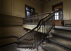 180 ° (tan.ja1212_2.0) Tags: lostplace altesstadtbad krefeld treppe treppenhaus geländer alt verlassen stairs stairwell lost old railing
