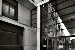 REFLEJOS (a-r-g-u-s) Tags: reflejos corners rincones universidad universidaddezaragoza windows ventanas