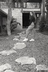 Ángela (@edu.valero (Instagram)) Tags: girl house casa stones piedras curly countryside rizado casarural hair angela gil retrato portrait fashion moda pelo chica guapa pretty rural adrados segovia espaã±a