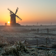 Horsey Mill, Norfolk, UK (Patricia Wilden) Tags: thurne landscape sunrise horsey eos70d wideanglelens earlymorning pumpingstation mills canon 1022mm norfolk 6feb2020