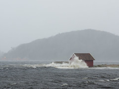 The house by the sea (Lars Emil J) Tags: mandal hav sea hus house waves wave bølge bølger norge norway agder elsa storm weather nikon sigma 70200mm d7000 wind