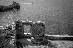 Window Over the Sea (GColoPhotographer) Tags: bw landscape bianconero arches blackandwhite portovenere architechture liguria sea