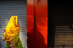 (sharmi_diya06) Tags: street streetphotography streetphot colors color woman morning light shadows shadow letsexplore outside natgeoyourshot natgeophotographers natgeophotographer yourshotnatgeo