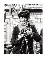La photographe. (streetspirit13) Tags: portrait street candid capture bw bnw photography marseille photographe