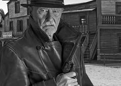 dont fuck with me (gormjarl) Tags: gun natur cowboy