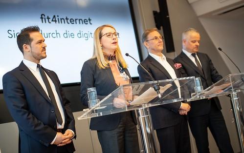 """Pressekonferenz mit FBM Schramböck """"Sicher durch die digitale Welt"""""""