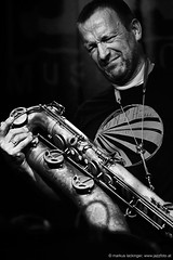 Mats Gustafsson: flute, sax, electronics; (jazzfoto.at) Tags: sony sonyalpha sonyalpha77ii sonya77m2 wwwjazzfotoat wwwjazzitat jazzitmusikclubsalzburg jazzitmusikclub jazzfoto jazzphoto jazzphotographer markuslackinger jazzinsalzburg jazzclubsalzburg jazzkellersalzburg jazzclub jazzkeller jazz jazzlive livejazz konzertfoto concertphoto liveinconcert stagephoto greatjazzvenue downbeatgreatjazzvenue salzburg salisburgo salzbourg salzburgo austria autriche blitzlos ohneblitz noflash withoutflash concert konzert concerto concierto sw bw schwarzweiss blackandwhite blackwhite noirblanc biancoenero blancoynegro zwartwit pretoebranco
