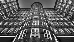 Sprinkenhof Hamburg (petra.foto busy busy busy) Tags: hamburg kontorhaus fassade architektur sprinkenhof monocrom schwarzweis gebäude vonunten fenster germany fotopetra canon