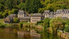 Estaing (doumé piazzolli) Tags: france aveyron estaing reflet reflection reflexion miroir lot fz200 landscape paysage patrimoine