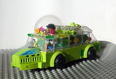 Greenhouse Rover - Febrovery 2020-12 (captain_j03) Tags: toy spielzeug 365toyproject lego minifigure minifig moc car auto febrovery space rover