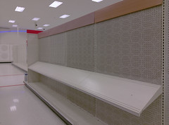 Left side emptiness (l_dawg2000) Tags: 2019liquidation closed cordova departmentstore discountstore early2000s liquidation memphis retail shelbycounty supertarget target tennessee tn wavyneon unitedstates