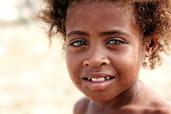 Anakao (Ma Poupoule) Tags: anakao madagascar océanindien indianocéan porträt portrait visage face smile sourire enfant enfants children dent dents teeth vezo