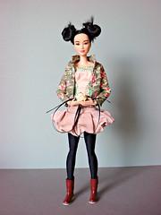 Asian Girl 🌸 (Deejay Bafaroy) Tags: barbie madetomove mtm mattel doll puppe asian portrait porträt pink green grün black schwarz rose flower blume boots stiefel antiquepink dustypink oldpink