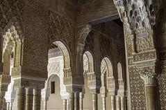 Patio de los Liones (kong niffe) Tags: alhambra granada españa spain spania palace moorish moors muslim islam art stukkatur stucco plaster arches buer