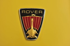 Rover V8 P6 car logo (D70) Tags: southwardcarmuseum paraparaumu newzealand rover v8 p6 car logo yellow gold red england