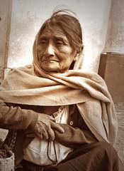 retrato chiapaneco (1) (Harry Szpilmann) Tags: sancristobaldelascasas indigena woman indian native chiapas mexico streetphotography mexique