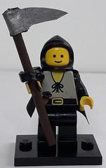 HUGO THE SERF (krisdecatte) Tags: lego custom medieval minifigurines peasants